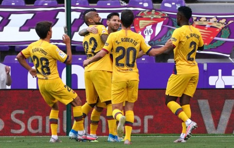 Gol Vidal Bawa Barcelona Menang atas Valladolid