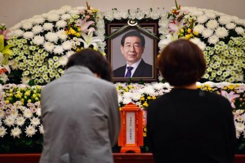 Pemakaman Wali Kota Seoul Tetap Berlangsung Meski Ada Penolakan