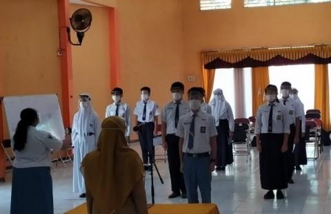 Pengenalan Lingkungan Sekolah di Surabaya Dihadiri Perwakilan Siswa Baru