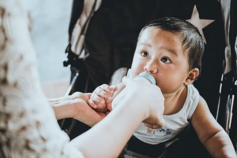 Apakah Aman Memberikan Bayi Susu Kambing?