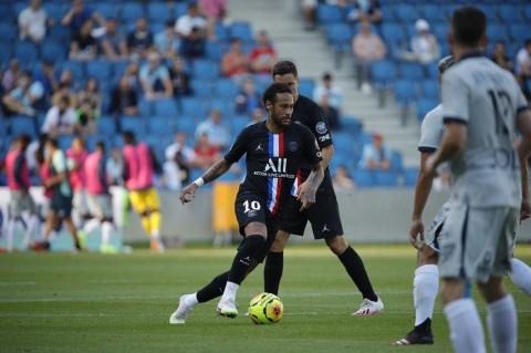 PSG Permalukan Klub Ligue 2 di Depan Ribuan Suporter