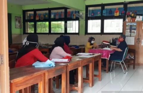 Hari Pertama MPLS di SDN Srengseng Diisi Kunjungan Wali Murid