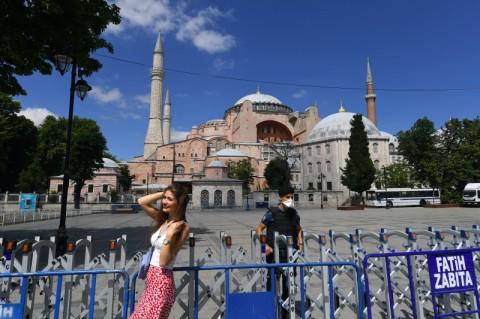 Turki Bela Kedaulatan Melalui Hagia Sophia