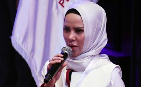 Angel Lelga Tegaskan Pernikahannya dengan Vicky Prasetyo Bukan Rekayasa