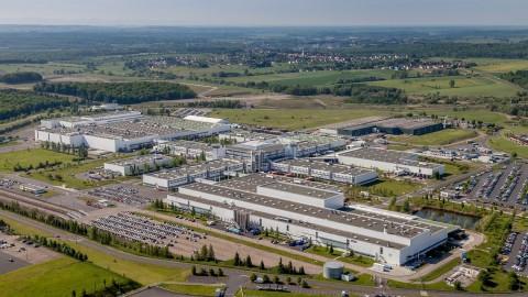Daimler Siap Jual Pabrik Smart di Perancis