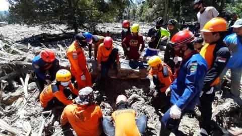 36 Orang Tewas dalam Banjir di Luwu Utara