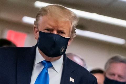 Trump Tak Akan Perintahkan Warga AS Pakai Masker