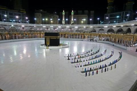 Pedoman Haji saat Covid-19 Mulai Diterapkan di Mekkah