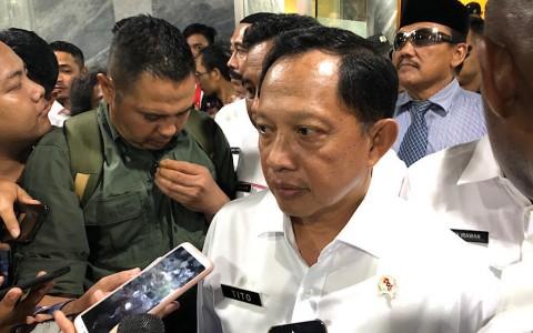 Mendagri Dorong Peraga Kampanye Berupa Masker dan <i>Hand Sanitizer</i>