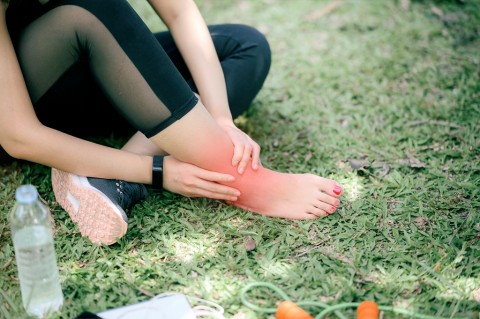 4 Tips Mengatasi Cedera saat Berolahraga di Rumah