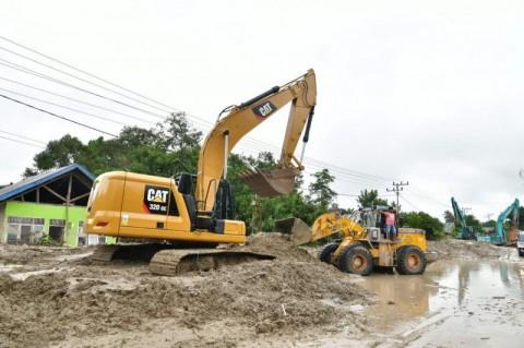 Pemkab Luwu Utara Fokus Buka Akses Jalan Nasional Pascabanjir