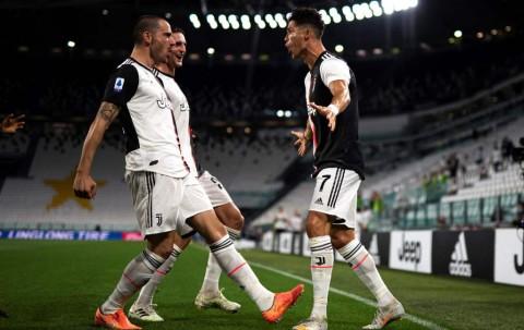 Brace Ronaldo Bantu Juventus Tekuk Lazio