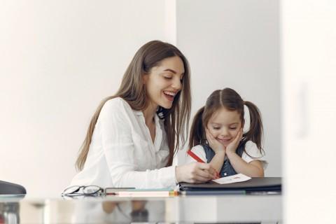 Ini Sisi Positif dan Negatif Anak Belajar di Rumah