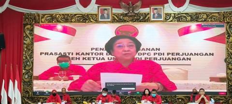 Resmikan 20 Kantor PDIP, Pidato Megawati Bergetar