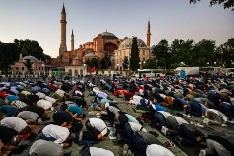Hagia Sophia Siap untuk Salat Jumat Pertama dalam 86 Tahun