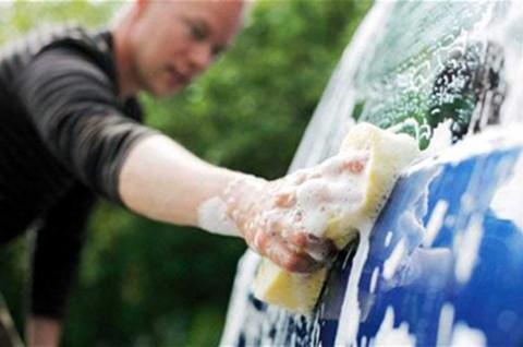 Hindari Cuci Mobil Pakai Air Kualitas Buruk