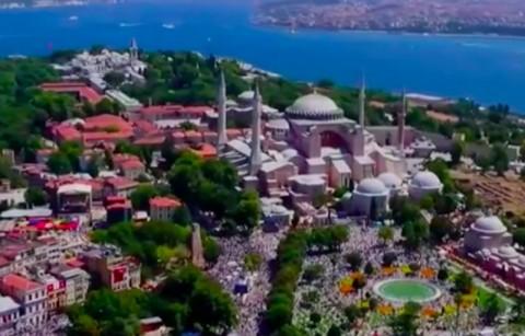 Ribuan Warga Turki Mulai Penuhi Hagia Sophia
