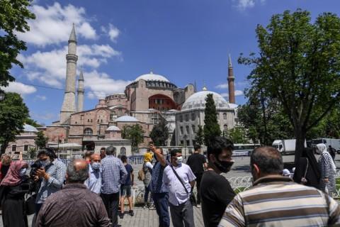 Gereja Orthodoks di Yunani Berkabung Atas Status Hagia Sophia