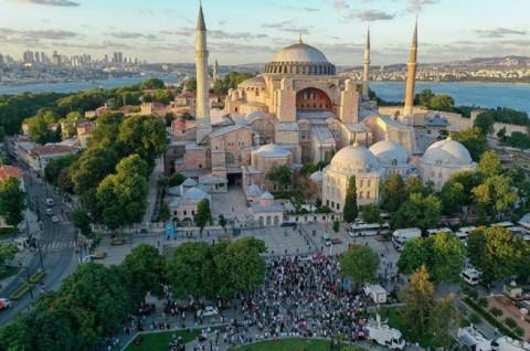 Turki Terbitkan Buku Masjid Hagia Sophia