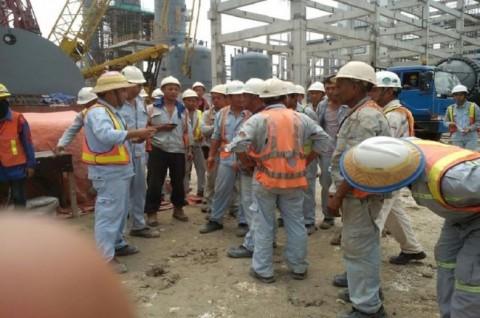 Luhut: Ribut-Ribut Pekerja Asing Merusak Masa Depan RI