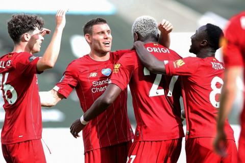 Liverpool Taklukkan Newcastle United 3-1