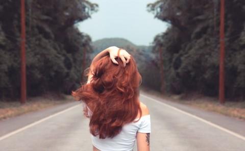 7 Tips Cegah Rambut Mengembang