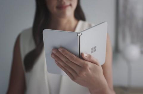 Ada Penampakan Surface Duo di Video Teaser