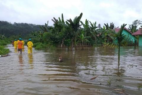 Banjir di Simeulue Aceh Merendam 7 Kecamatan