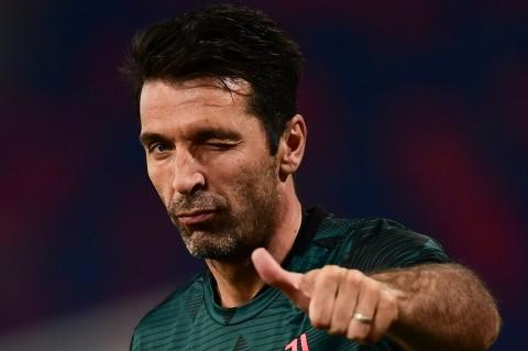 Buffon Pilih Membumi atas Rekor 10 Scudetto