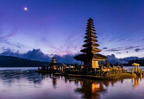 Sektor pariwisata dan ekonomi kreatif di Bali harus mampu membangun rasa percaya wisatawan akan rasa aman saat berkunjung ke Bali. (Foto: Ilustrasi. Dok. Freepik.com)