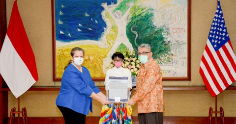 US Provides Ventilators to Indonesia to Battle Covid-19 Pandemic