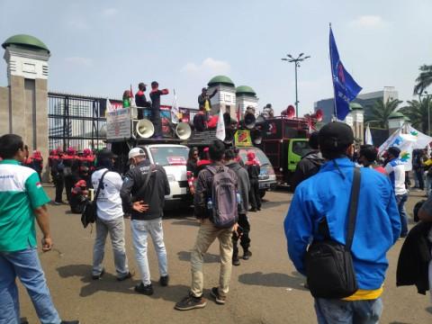 Buruh Tergabung KSPSI Demo Tolak RUU Ciptaker
