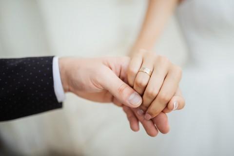 Perlukah Berkomitmen dalam Menjalin Hubungan Asmara?