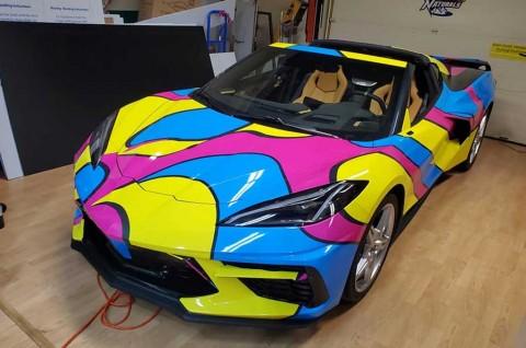 Teknik Wrappping Corvette C8 Terinspirasi Gaya Austin Powers