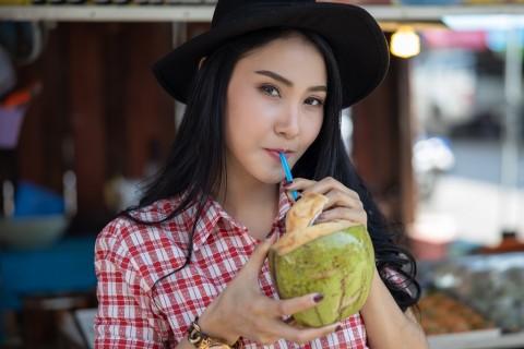 Kurangi Risiko Hipertensi dengan Air Kelapa