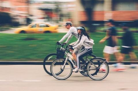 Lomba Balap Sepeda Unik di HUT ke-75 RI