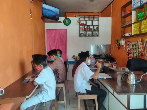 Warkop di Tangsel Gratiskan Internet untuk Belajar Daring