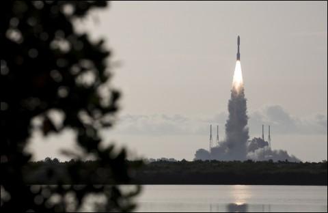 Roket Misi ke Mars NASA Berhasil Melesat ke Angkasa