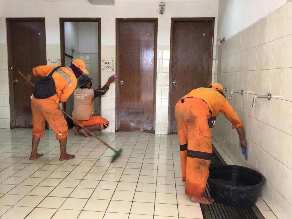 Jelang Iduladha, 11 Masjid di Koja Dibersihkan