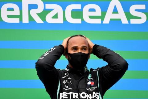 Hamilton Berencana Balapan di F1 hingga Tiga Tahun Lagi
