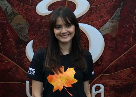 Amanda Rawles Bersanding dengan Arbani Yasiz di Film Ranah 3 Warna