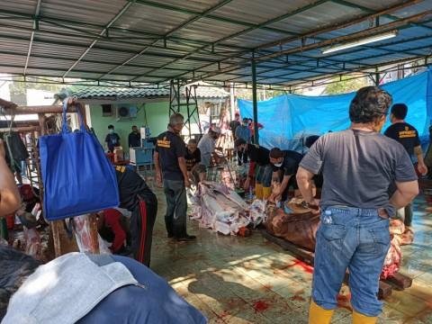 Masjid Cut Meutia Bagikan 2.000 Kantong Daging Kurban