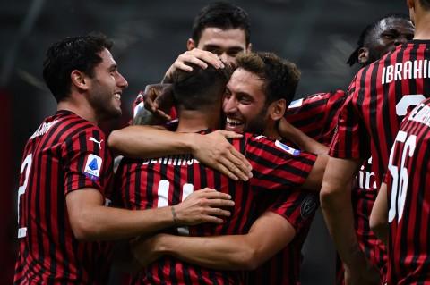 Rangkuman Serie A Semalam: Milan Pesta Gol, Roma Permalukan Juventus