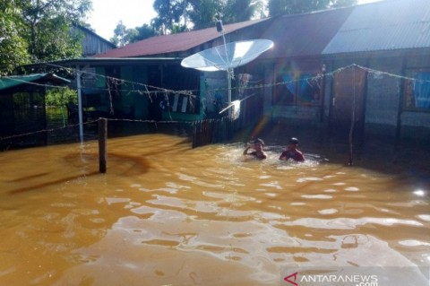 Ratusan Warga Aceh Barat Masih Dilanda Banjir