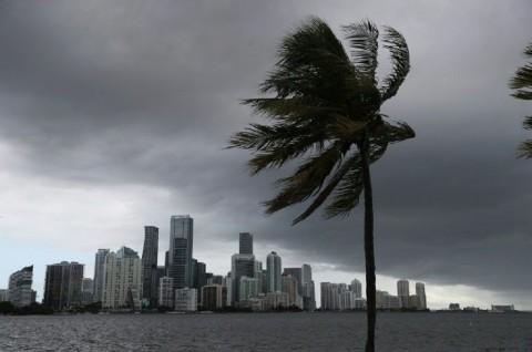 Badai Isaias Semakin Dekati Florida