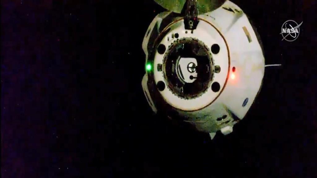 SpaceX Crew Dragon dalam Perjalanan Kembali ke Bumi - Medcom ID