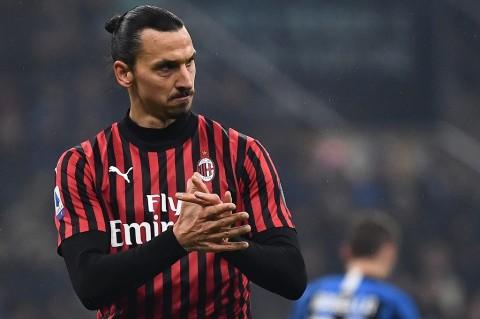 Maldini Isyaratkan Ibrahimovic Bertahan di Milan