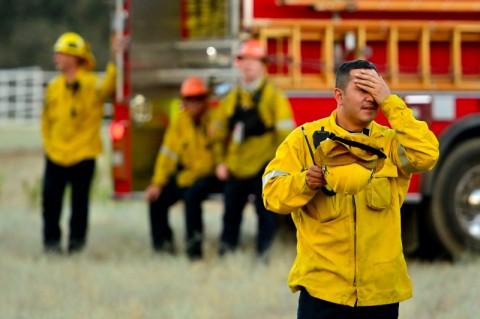 Petugas Kewalahan Padamkan <i>Apple Fire</i> di AS
