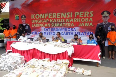 Polisi Ungkap Penyelundupan 160 Kg Ganja dari Jaringan Sumatera-Jawa