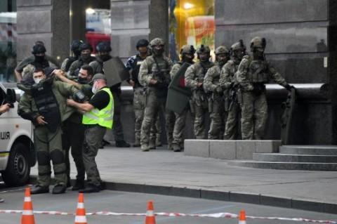 Pria Bawa Bom Ancam Ledakkan Bank di Ukraina